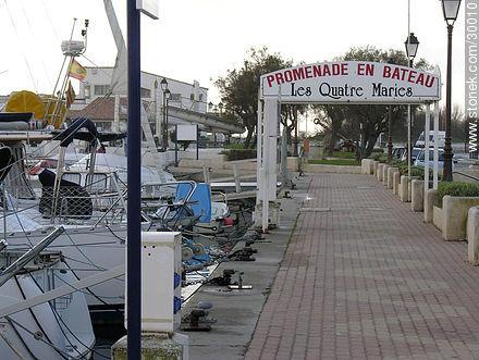 Boardwalk Saintes Maries de la Mer - Photos of Les Saintes Maries de la Mer - Region of Provence-Alpes-Côte d'Azur - FRANCE. Image #30010