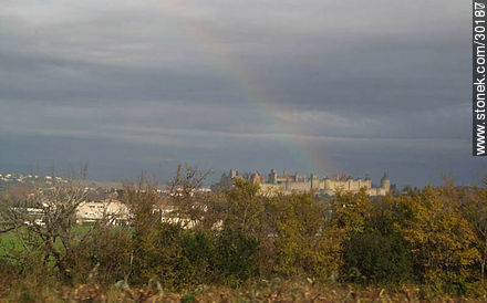 Rainbow over Carcassonne - Photos of La Cité de Carcassonne - Departament of Aude, FRANCE. Image #30187