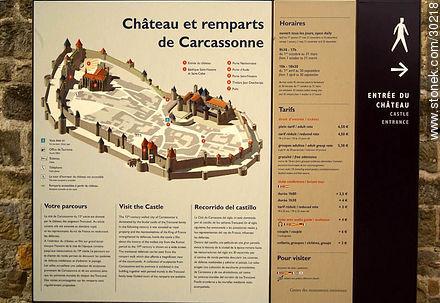 Castle of Carcassonne - Photos of La Cité de Carcassonne - Region of Languedoc-Rousillon - FRANCE. Image #30218