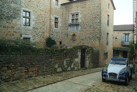 Citroën 2CV in Belvès - Photos of Belvès - Region of Aquitaine - FRANCE. Image #30899
