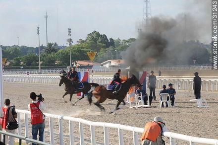 January 6, 2009. Prize J.P. Ramírez. - Photos of Maroñas horse racetrack - Department and city of Montevideo - URUGUAY. Image #31243
