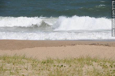 Beach of La Barra resort - Photos of La Barra and Manantiales - Punta del Este and its near resorts - URUGUAY. Image #31778