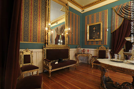 Romantic museum - Photos of the Old City - Department and city of Montevideo - URUGUAY. Image #32291