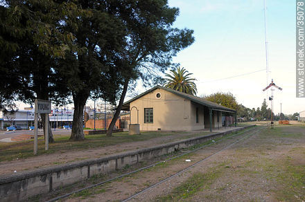 Young train station - Photos of Young city - Rio Negro - URUGUAY. Image #35078