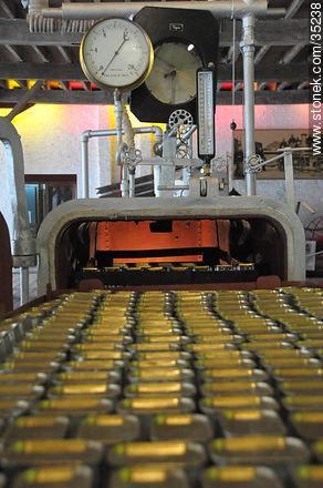 Industrial revolution museum in Fray Bentos - Photos of Fray Bentos - Rio Negro - URUGUAY. Image #35238