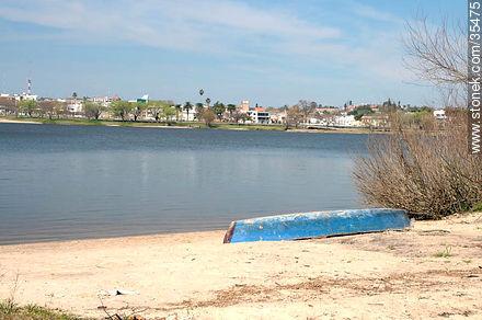 Beach in Los Arrayanes resort. Río Negro river. - Variety of photos of Río Negro department - Rio Negro - URUGUAY. Image #35475