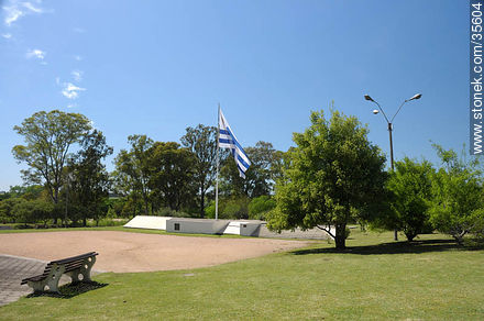 Plaza de la Bandera. Flag square. - Photo of Florida city - Department of Florida - URUGUAY. Image #35604