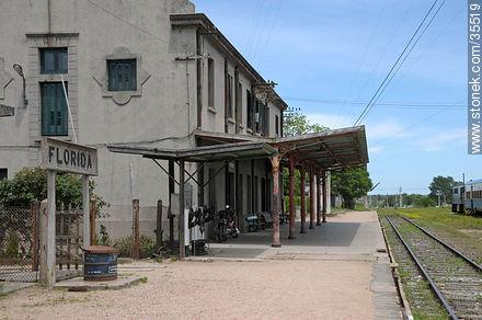 Train station.  - Photo of Florida city - Department of Florida - URUGUAY. Image #35519