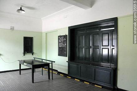 Train station. Waiting room. - Photo of Florida city - Department of Florida - URUGUAY. Image #35515