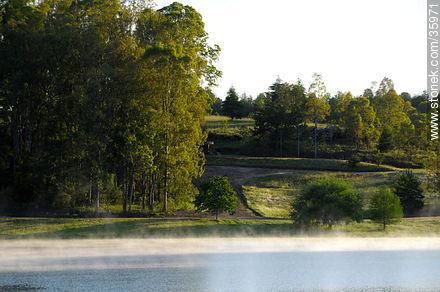 Lake Iporá and resort - Photos of Iporá resort - Tacuarembo - URUGUAY. Image #35971