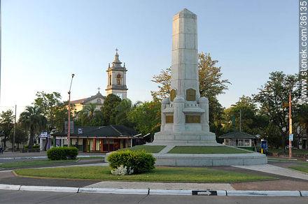 José Batlle y Ordóñez square - Photos of the City of Artigas - Artigas - URUGUAY. Image #36135