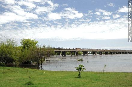 Barra do Quaraí, Brazil. Quarai or Cuareim river. - Photos of Cuareim - Artigas - URUGUAY. Image #36249
