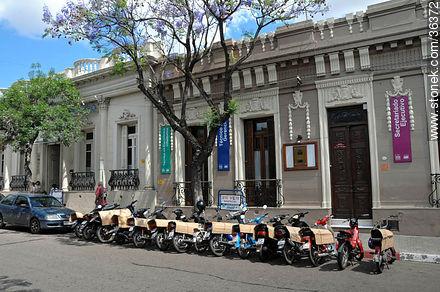 Downtown Salto. ORT University. - Photos of Salto - Department of Salto - URUGUAY. Image #36372