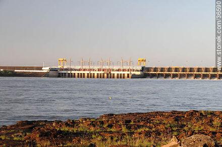 Salto grande hydroelectric dam - Photos of Salto Grande - Department of Salto - URUGUAY. Image #36590