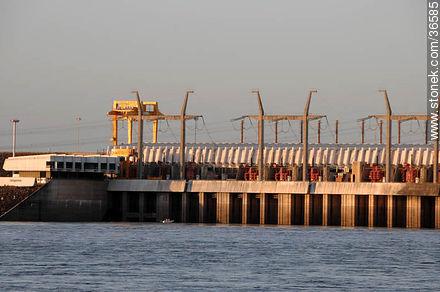 Salto Grande hydroelectric power - Photos of Salto Grande - Department of Salto - URUGUAY. Image #36585