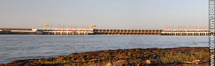 Salto grande hydroelectric dam - Photos of Salto Grande - Department of Salto - URUGUAY. Image #36588