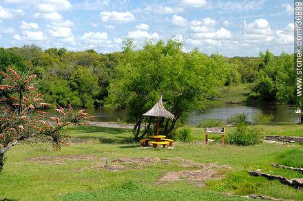Dayman river - Photos of Termas del Dayman - Department of Salto - URUGUAY. Image #36888