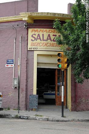 Salazar bakery - Photos of Paysandú City - Department of Paysandú - URUGUAY. Image #36973