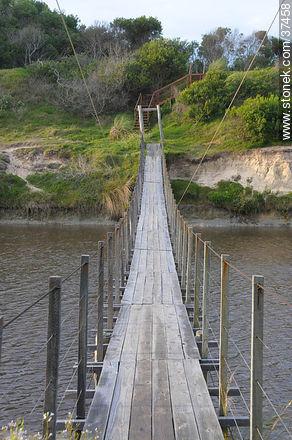 Pedestrian bridge over Andreoni canal. - Photos of La Coronilla resort - Department of Rocha - URUGUAY. Image #37458