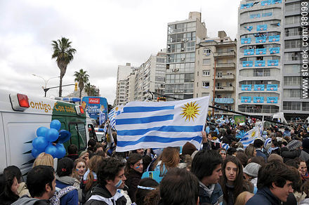 Uruguayan footbal soccer team reception after playing the World Cup in South Africa, 2010. - South Africa 2010 world championship celebration photos - URUGUAY. Image #38093