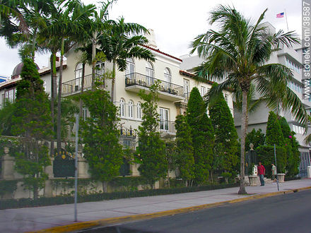Ocean Drive at South Beach. Versace's house. - Photos of Miami - State of Florida - USA-CANADA. Image #38587