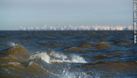 Out to sea. - Photos of Buceo quarter - Department and city of Montevideo - URUGUAY. Image #38612