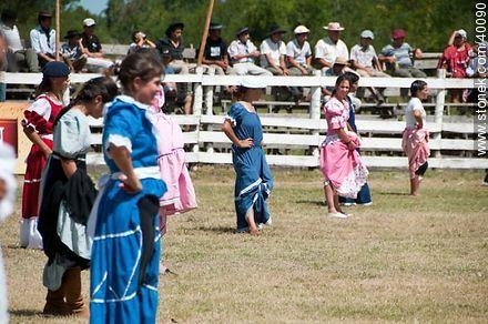 Bride's horse race.  - Photos of Patria Gaucha festivity - Tacuarembo - URUGUAY. Image #40090