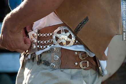 Nice belt. - Photos of Patria Gaucha festivity - Tacuarembo - URUGUAY. Image #39867