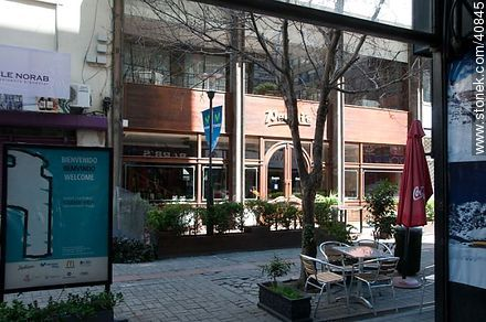 Bacacay pedestrian street - Photos of Sarandi and Bacacay pedestrian street at Old City - Department and city of Montevideo - URUGUAY. Image #40845