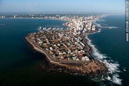 Peninsula of Punta del Este - Photos of Peninsula de Punta del Este - Punta del Este and its near resorts - URUGUAY. Image #41726