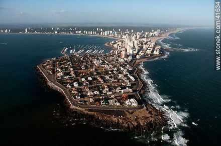 Punta del Este pensinsula and harbor - Photos of Peninsula de Punta del Este - Punta del Este and its near resorts - URUGUAY. Image #41634