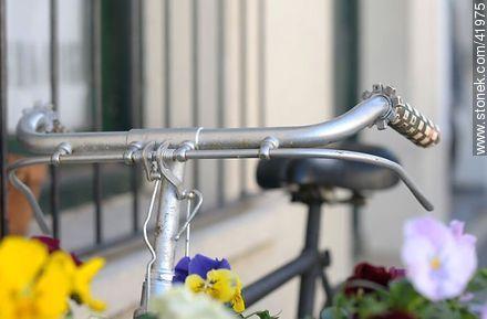 Bicycle Handlebar - Photos of Colonia del Sacramento - Department of Colonia - URUGUAY. Image #41975