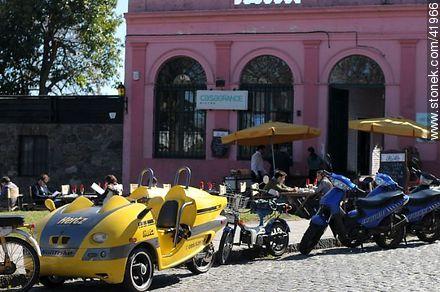 Real St. - Photos of Colonia del Sacramento - Department of Colonia - URUGUAY. Image #41966
