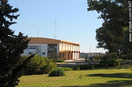 International Airport of Colonia, Laguna de los Patos. - Photos of Colonia del Sacramento - Department of Colonia - URUGUAY. Image #41947