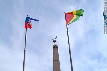 Obelisk of Las Piedras - Photos of city of Las Piedras - Department of Canelones - URUGUAY. Image #43015