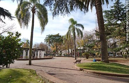 Plaza de Las Piedras - Photos of city of Las Piedras - Department of Canelones - URUGUAY. Image #43001