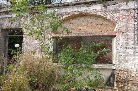 Old building - Photos of Colonia del Sacramento - Department of Colonia - URUGUAY. Image #45353