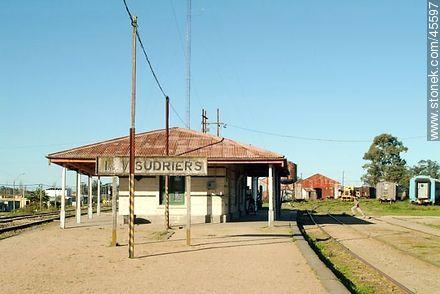 Empalme Olmos.  Sudriers railroad station. - Photos of Empalme Olmos - Department of Canelones - URUGUAY. Image #45597
