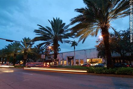 Miracle Mile in Coral Gables - Photos of Miami - State of Florida - USA-CANADA. Image #46476