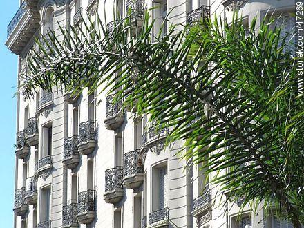 Palacio Montero. - Photos of downtown - Department and city of Montevideo - URUGUAY. Image #47269