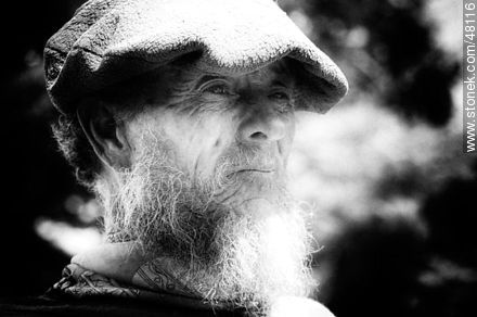 Ancient beard with a cap - Photographic Portraits - MORE IMAGES. Image #48116