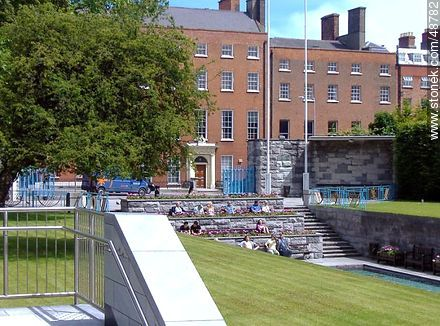 Sunbathing on a square - Photos of Dublin - Capital city, BRITISH ISLANDS. Image #48782