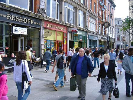 Pedestrian shopping street in downtown Dublin. - Photos of Dublin - Capital city, BRITISH ISLANDS. Image #48779