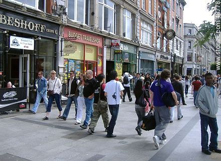 Pedestrian shopping street in downtown Dublin. - Photos of Dublin - Capital city, BRITISH ISLANDS. Image #48778