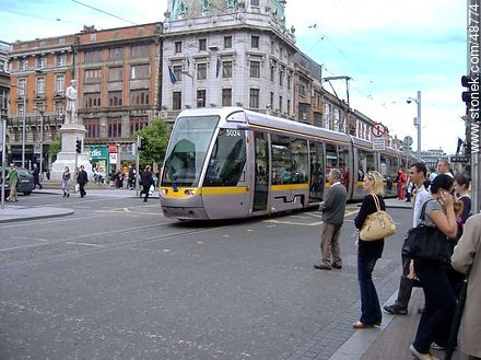Tram in Dublin City Centre - Photos of Dublin - Capital city, BRITISH ISLANDS. Image #48774