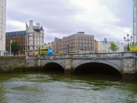 Bridge over the River Liffey - Photos of Dublin - Capital city, BRITISH ISLANDS. Image #48772