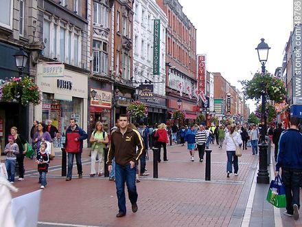 Pedestrian shopping street in Dublin.  - Photos of Dublin - Capital city, BRITISH ISLANDS. Image #48766