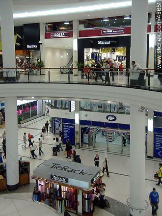 Shopping mall in Dublín - Photos of Dublin - Ireland - BRITISH ISLANDS. Image #48651