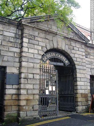Dublin Castle. Pedestrian entrance. - Photos of Dublin - Ireland - BRITISH ISLANDS. Image #48600