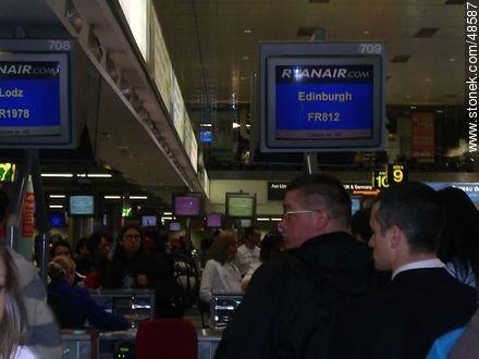 Check-in at Dublin airport. - Photos of Dublin - Ireland - BRITISH ISLANDS. Image #48587